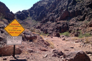 Lake Mead sign